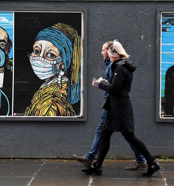 Straßen-Plakate mit Schutzmaske