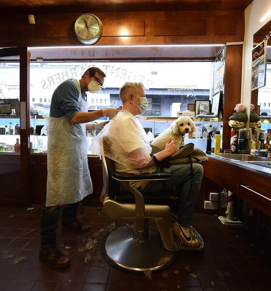 Dublin: Friseur hat wieder geöffnet