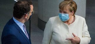 Coronavirus  Maskenpflicht im Bundestag Berlin Bundeskanzlerin Angela Merkel CDU und Jens Spahn
