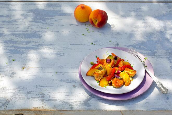 Putenbrust-Gulasch mit Pfirsich-Würfeln