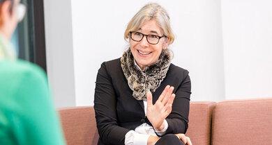 Gabriele Regina Overwiening im Interview mit Hauptstadtkorrespondentin Tina Haase