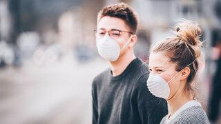 Masken für den 3D Drucker Junges Paar Freunde Mundschutz Coronavirus News