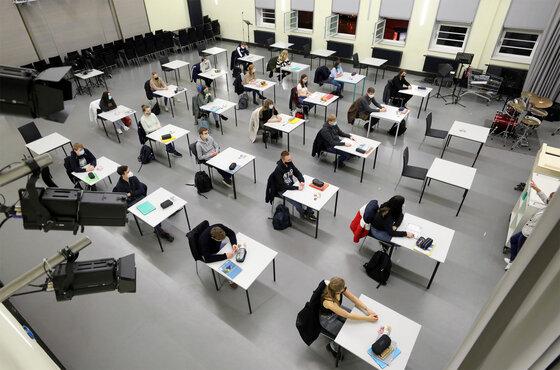 In der Aula im Innerstädtischen Gymnasium ISG beginnt nach den Ferien ein Englisch-Kurs der 12. Klasse