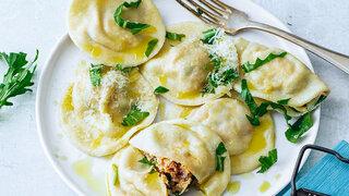 Ravioli mit Rucola und Schinken Mittelmeerküche