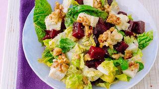 Rote Beete-Salat mit überbackenem Fetakäse