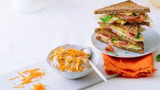 Melonen-Sandwich Karotten-Haferflocken-Müsli