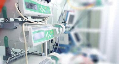 Bei einer Gehrinentzündung wird eventuell eine Überwachung auf der Intensivstation nötig.