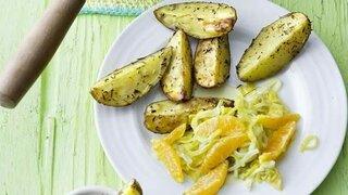 Orangen-Lauch-Gemüse mit Petersilien-Dip
