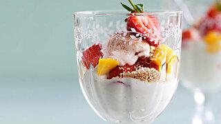 Erdbeer-Dessert mit Amaranth