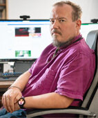 Peter Sommerhalter ist Cybermobbing-Experte und rät, bei Anfeindungen die Ruhe zu bewahren