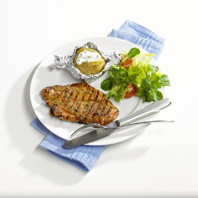 Mariniertes Steak mit Folienkartoffel